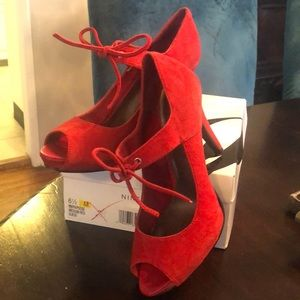 Nine West Papoose Red Suede
